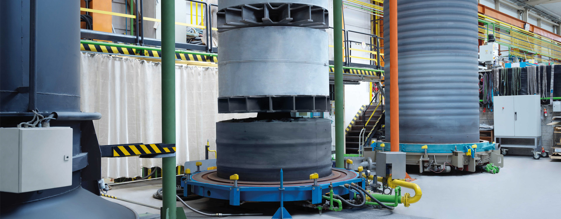 HITT high-temperature bell annealer (HBAF) charged with 2 GO coils